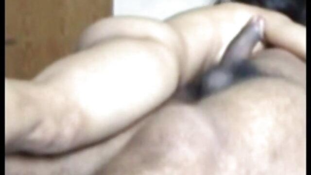 دینے پورن همسر کے لئے دو آدمیوں میں ایک بار