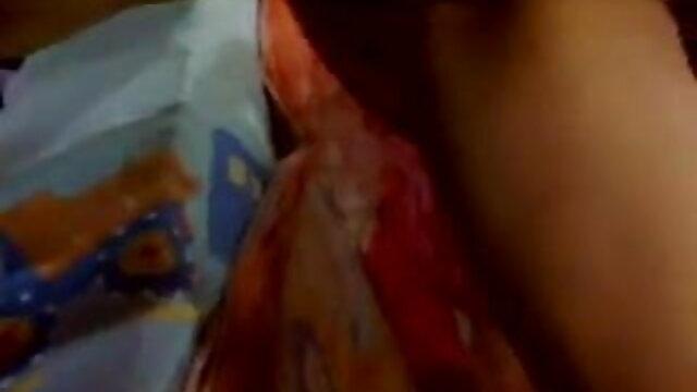 جولیا نوجوان تیار ایک ماں فیلم پورن سینمایی