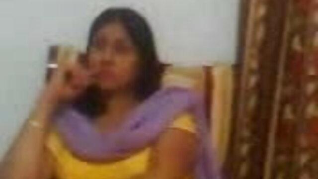 سنہرے بالوں والی نمايش فيلم پورن جذباتی پریمی جو جذباتی ہے