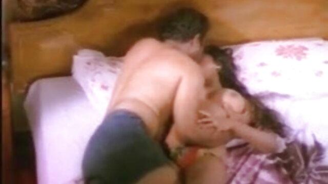 Tinka Busty گرم خوشگل ترین پورن ، پیارا ، بیلا ڈک محبت کرتا ہے مرد